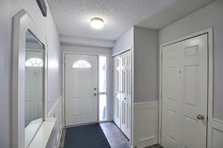 Photo 4: 96 Glenbrook Villas SW in Calgary: Glenbrook Row/Townhouse for sale : MLS®# A1072374