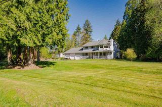 """Photo 2: 21975 100 Avenue in Langley: Fort Langley House for sale in """"Fort Langley"""" : MLS®# R2571231"""