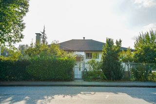 Photo 3: 2051 SHAUGHNESSY Street in Port Coquitlam: Mary Hill House for sale : MLS®# R2612601