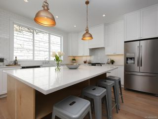 Photo 8: 2434 Azurite Cres in Langford: La Bear Mountain House for sale : MLS®# 844280