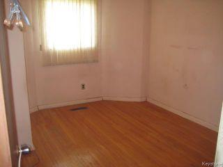 Photo 9: 631 Chalmers Avenue in Winnipeg: East Kildonan Residential for sale (North East Winnipeg)  : MLS®# 1614752