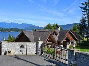 FEATURED LISTING: 89 Forbes Road Gibsons