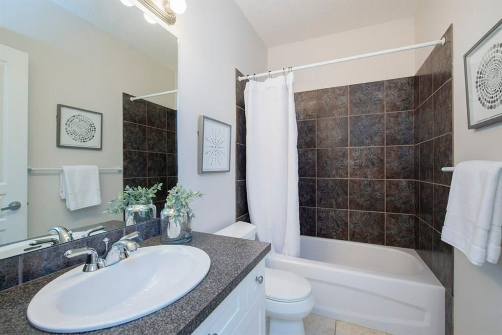 Photo 38: Photos: 32 Prominence Park SW in Calgary: Patterson Row/Townhouse for sale : MLS®# A1112438