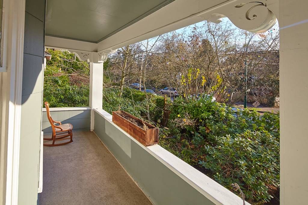 Photo 4: Photos: 1943 NAPIER Street in Vancouver: Grandview Woodland House for sale (Vancouver East)  : MLS®# R2423548