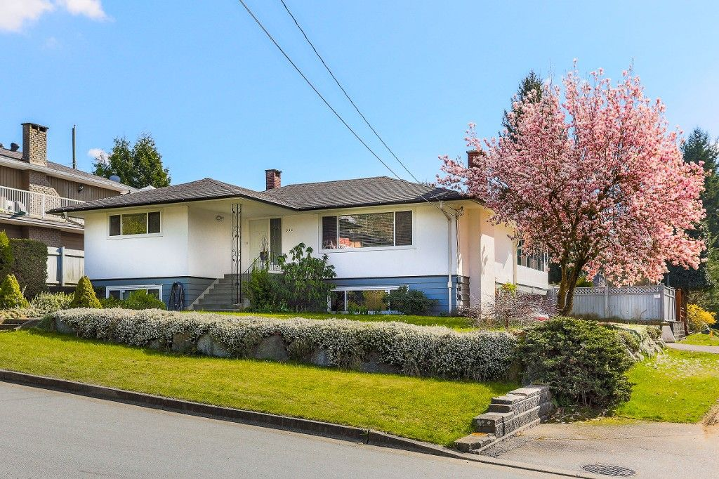 Main Photo: 932 Stardale av in Coquitlam: Coquitlam West House for sale