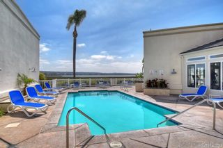 Photo 7: PACIFIC BEACH Condo for sale : 1 bedrooms : 4015 Crown Point Dr #208 in San Diego