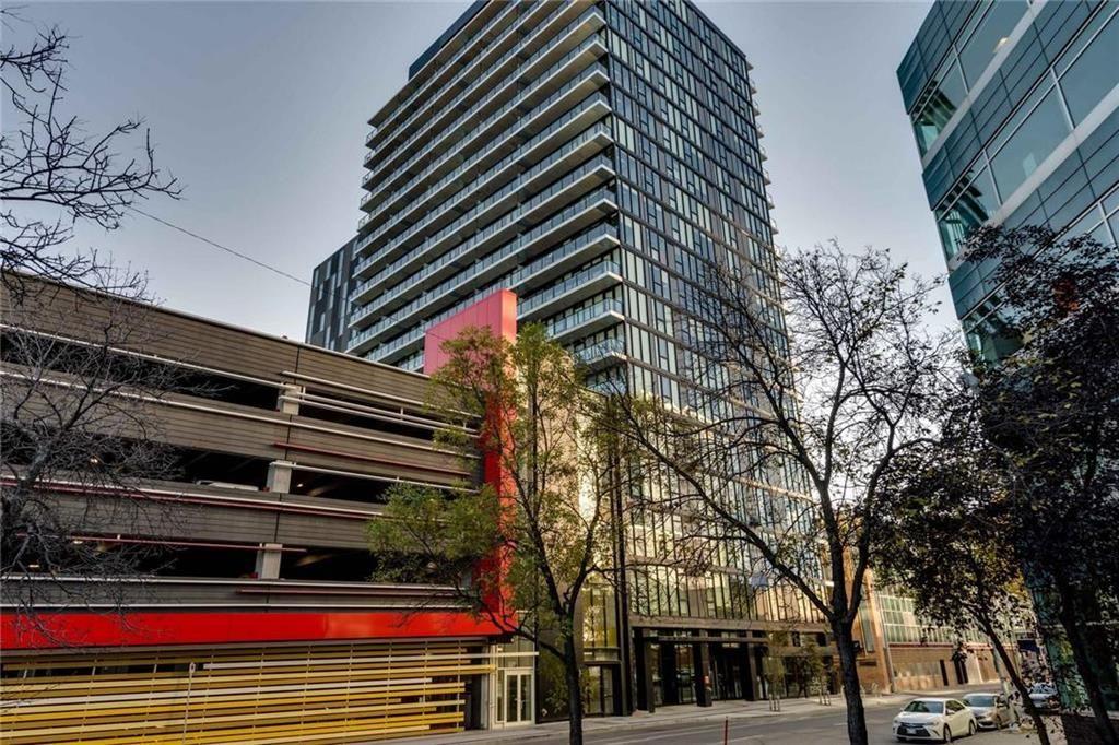 Main Photo: 1605 311 Hargrave Street in Winnipeg: Downtown Condominium for sale (9A)  : MLS®# 202028121