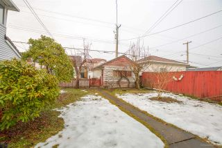 Photo 4: 2933 E 43RD Avenue in Vancouver: Killarney VE House for sale (Vancouver East)  : MLS®# R2145638