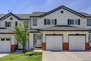 Photo 2: 11 Country Village Circle NE in Calgary: Country Hills Village Row/Townhouse for sale : MLS®# A1118288