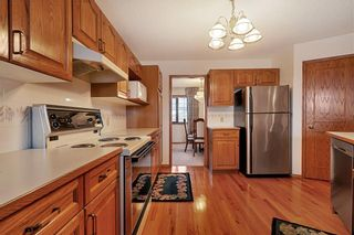 Photo 6: 850 37 Street NW in Calgary: Parkdale Detached for sale : MLS®# C4297148