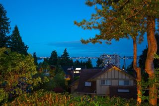 """Photo 30: 2386 KINGS Avenue in West Vancouver: Dundarave House for sale in """"Dundarave Village by the Sea"""" : MLS®# R2620765"""