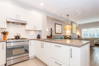 "Photo 7: 5938 OAK Street in Vancouver: Oakridge VW Townhouse for sale in ""MONTGOMERY TOWNHOMES"" (Vancouver West)  : MLS®# R2162666"