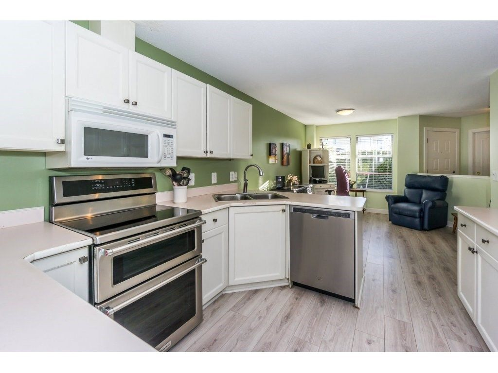 """Photo 8: Photos: 72 21928 48 Avenue in Langley: Murrayville Townhouse for sale in """"Murray Glen"""" : MLS®# R2229327"""
