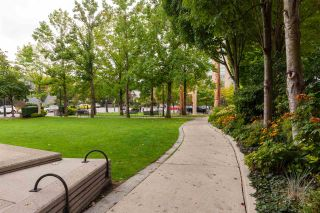"""Photo 18: 401 1575 W 10TH Avenue in Vancouver: Fairview VW Condo for sale in """"The Triton"""" (Vancouver West)  : MLS®# R2404375"""