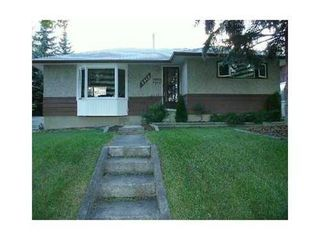 Photo 1: 3515 40 Street SW in Calgary: Bungalow for sale : MLS®# C3584017