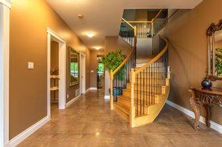 Photo 2: 5335 Stamford Place in Sechelt: Home for sale : MLS®# R2119187