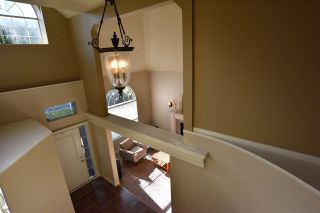 "Photo 3: 9248 203 Street in Langley: Walnut Grove House for sale in ""Forest Glen"" : MLS®# R2502362"