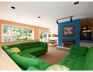 Photo 3: 5769 CRANLEY DR in West Vancouver: House for sale : MLS®# V821623