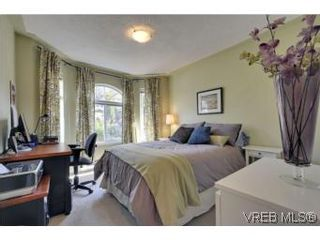 Photo 12: 857 Rainbow Cres in : SE High Quadra House for sale (Saanich East)  : MLS®# 534350