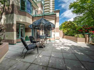"Photo 4: 348 TAYLOR Way in West Vancouver: Park Royal Townhouse for sale in ""THE WESTROYAL"" : MLS®# R2373517"