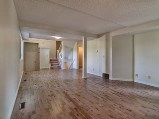 Photo 3: 4321 Riverbend Road in Edmonton: Zone 14 Townhouse for sale : MLS®# E4248105