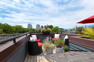 """Photo 3: PH1 380 W 10TH Avenue in Vancouver: Mount Pleasant VW Townhouse for sale in """"Turnbull's Watch"""" (Vancouver West)  : MLS®# R2603176"""