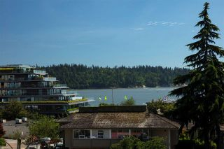 "Photo 2: 301 1420 DUCHESS Avenue in West Vancouver: Ambleside Condo for sale in """"The Westerlies"" in Ambleside"" : MLS®# R2543928"