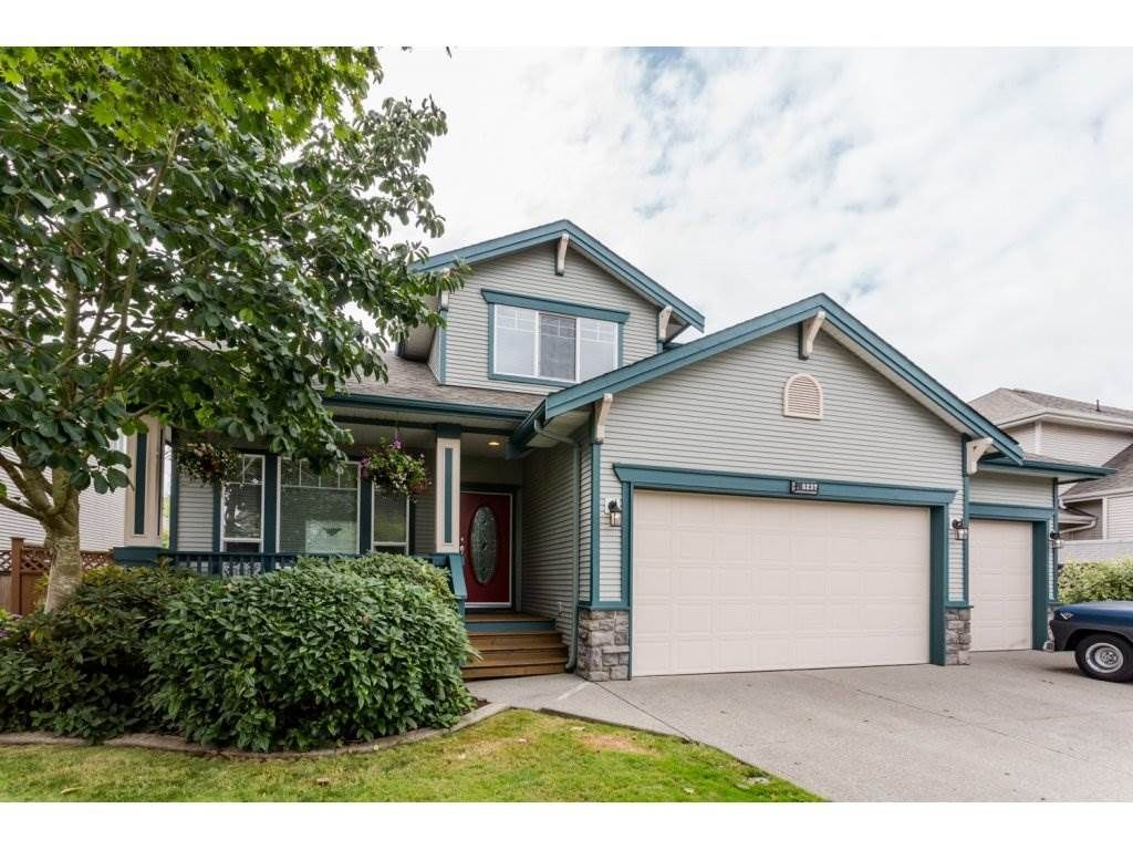 Main Photo: 6237 167A Street in Surrey: Cloverdale BC House for sale (Cloverdale)  : MLS®# R2097279