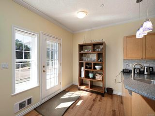 Photo 11: 15 315 Six Mile Rd in : VR Six Mile Row/Townhouse for sale (View Royal)  : MLS®# 872809