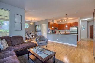 "Photo 2: 10180 153 Street in Surrey: Guildford Condo for sale in ""Charlton Park"" (North Surrey)  : MLS®# R2388907"