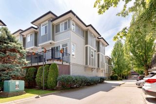 """Photo 2: 59 1010 EWEN Avenue in New Westminster: Queensborough Townhouse for sale in """"WINDSOR MEWS"""" : MLS®# R2595732"""