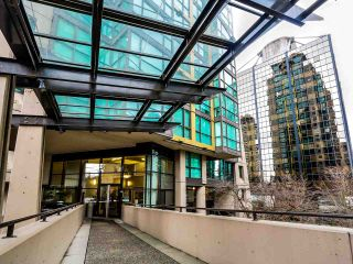 Photo 2: 902 1367 ALBERNI Street in Vancouver: West End VW Condo for sale (Vancouver West)  : MLS®# R2032752