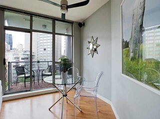 """Photo 5: 705 1050 SMITHE Street in Vancouver: West End VW Condo for sale in """"STERLING"""" (Vancouver West)  : MLS®# R2133078"""