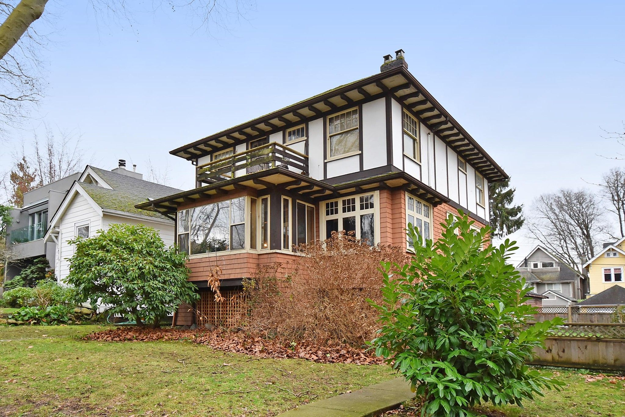 """Main Photo: 2020 MCNICOLL Avenue in Vancouver: Kitsilano House for sale in """"Kits Point"""" (Vancouver West)  : MLS®# R2428928"""