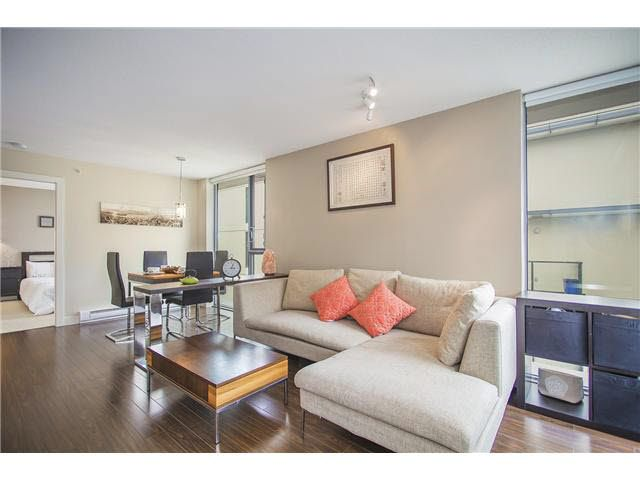 """Photo 3: Photos: 702 587 W 7TH Avenue in Vancouver: Fairview VW Condo for sale in """"AFFINITI"""" (Vancouver West)  : MLS®# V1118328"""