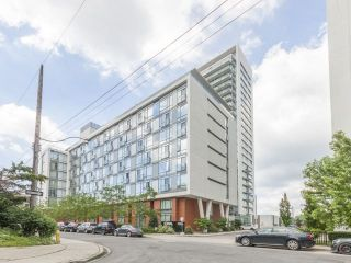 Photo 1: 90 Stadium Rd Unit #829 in Toronto: Niagara Condo for sale (Toronto C01)  : MLS®# C4246586