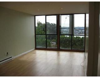 Photo 3: 6 312 CARNARVON Street: Downtown NW Home for sale ()  : MLS®# V756363