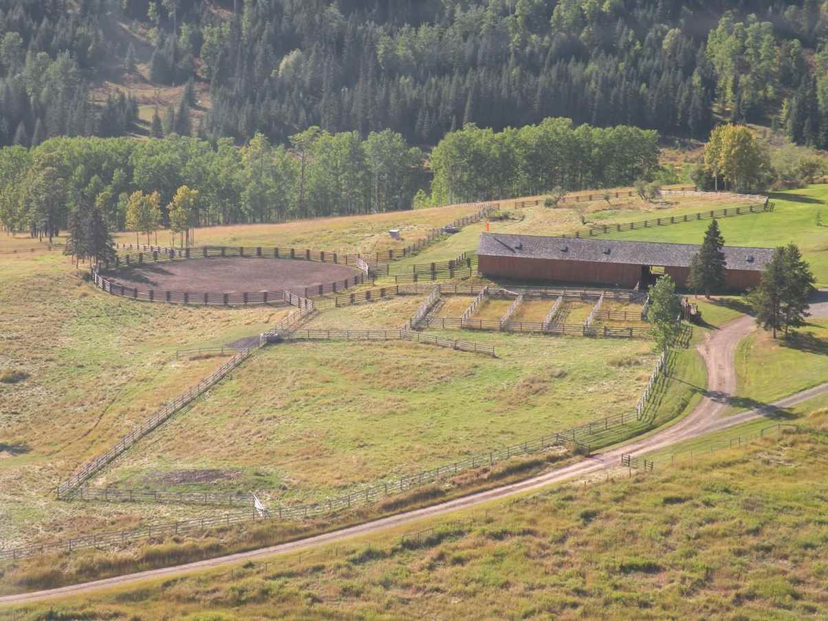 Horse Barn, 120' round sand/loam working arena, cattle sorting & holding pens, squeeze and loading chute.