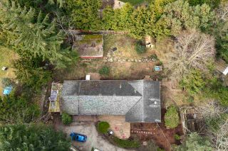 Photo 3: 8100 ALDERWOOD Road in Halfmoon Bay: Halfmn Bay Secret Cv Redroofs House for sale (Sunshine Coast)  : MLS®# R2551203