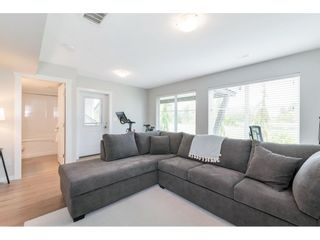 """Photo 35: 17 15717 MOUNTAIN VIEW Drive in Surrey: Grandview Surrey Townhouse for sale in """"Olivia"""" (South Surrey White Rock)  : MLS®# R2572266"""