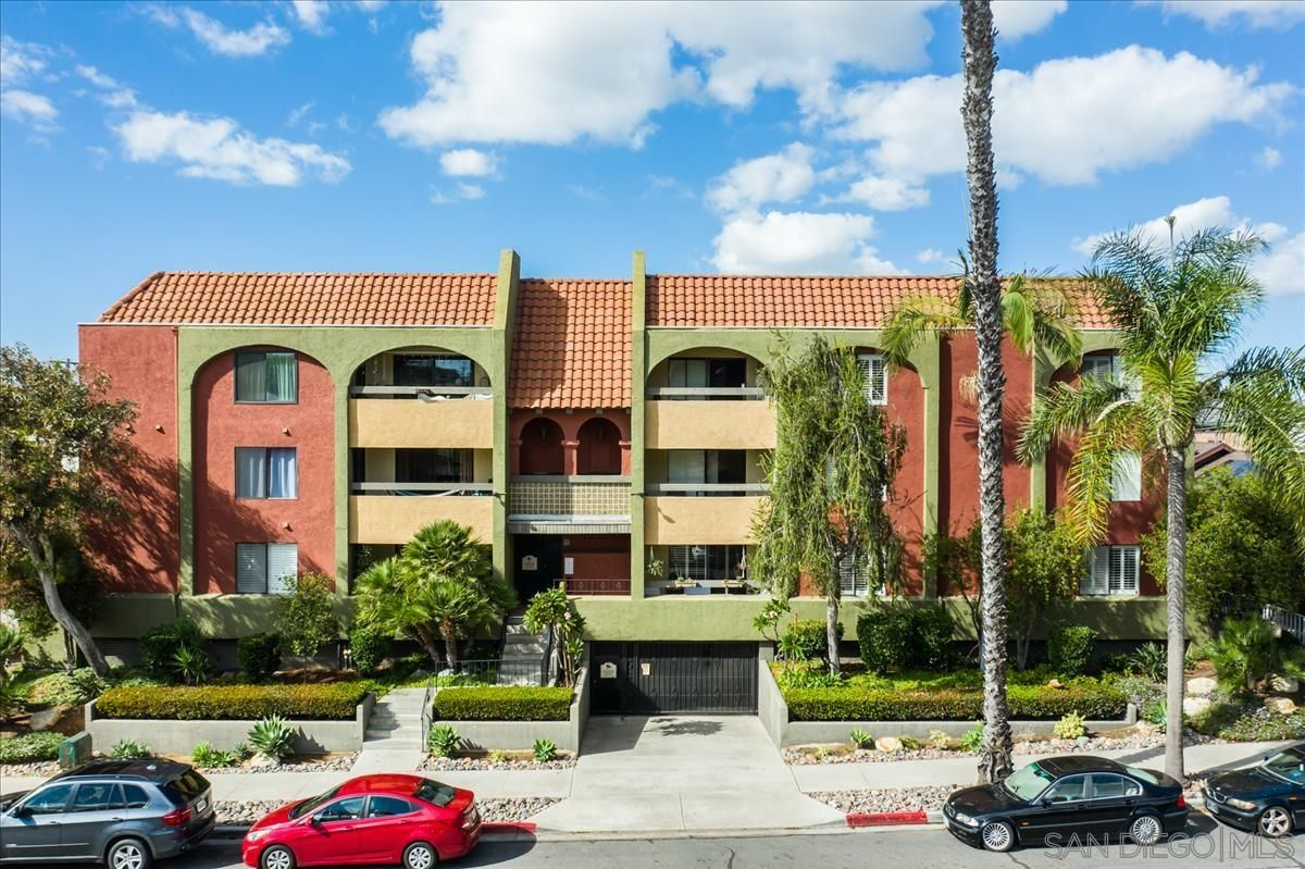 Main Photo: HILLCREST Condo for sale : 2 bedrooms : 3930 Centre St #103 in San Diego