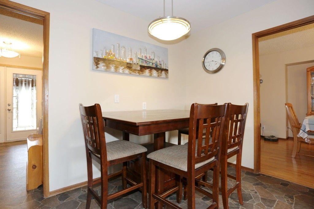 Photo 11: Photos: 2 Hazel Park Drive in Winnipeg: Richmond West Single Family Detached for sale (1S)  : MLS®# 1728254