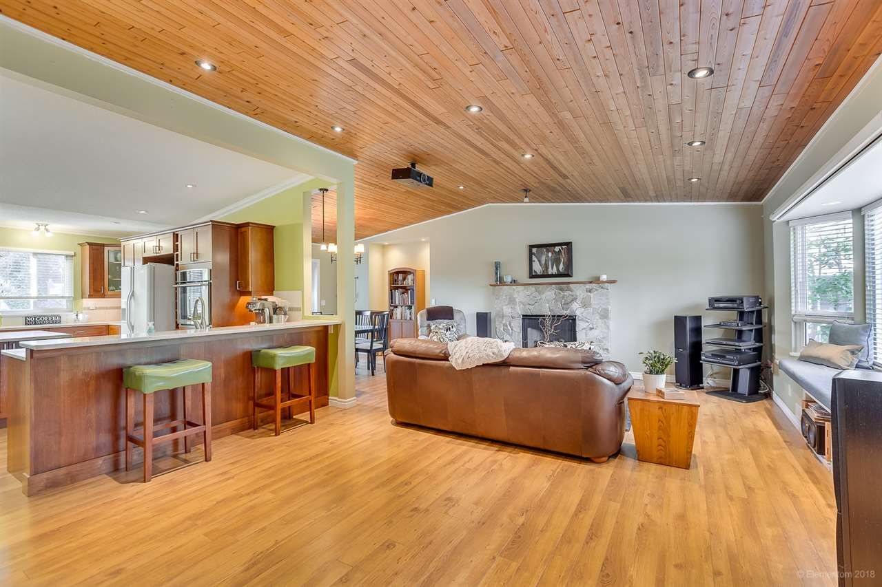Photo 3: Photos: 11775 212 Street in Maple Ridge: Southwest Maple Ridge House for sale : MLS®# R2410545