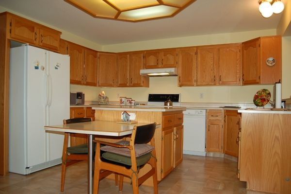 Photo 6: Photos: 204 Hummingbird Lane in Penticton: North Residential Detached for sale : MLS®# 112275