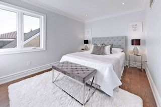 Photo 12: 274 Cornelius Parkway in Toronto: Downsview-Roding-CFB Freehold for sale (Toronto W05)  : MLS®# W5128866