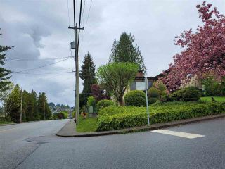 Photo 3: 5751 KITCHENER Street in Burnaby: Parkcrest House for sale (Burnaby North)  : MLS®# R2567462