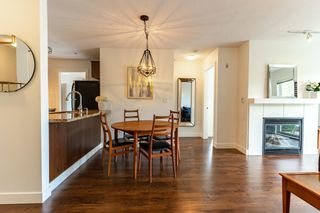 """Photo 2: 302 3240 ST JOHNS Street in Port Moody: Port Moody Centre Condo for sale in """"THE SQUARE"""" : MLS®# R2577268"""