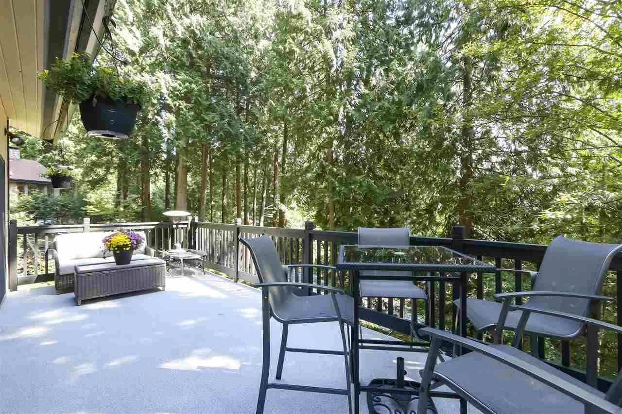 """Photo 8: Photos: 4727 MOUNTAIN Highway in North Vancouver: Lynn Valley House for sale in """"Upper Lynn"""" : MLS®# R2491401"""