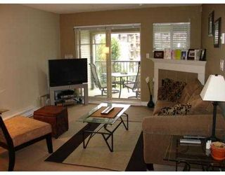 """Photo 2: 302 2468 ATKINS Avenue in Port_Coquitlam: Central Pt Coquitlam Condo for sale in """"BORDEAUX"""" (Port Coquitlam)  : MLS®# V660127"""