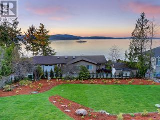 Photo 8: 1470 Lands End Rd in North Saanich: House for sale : MLS®# 884199